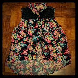 Arizona Jean Co. Floral/Lace Top